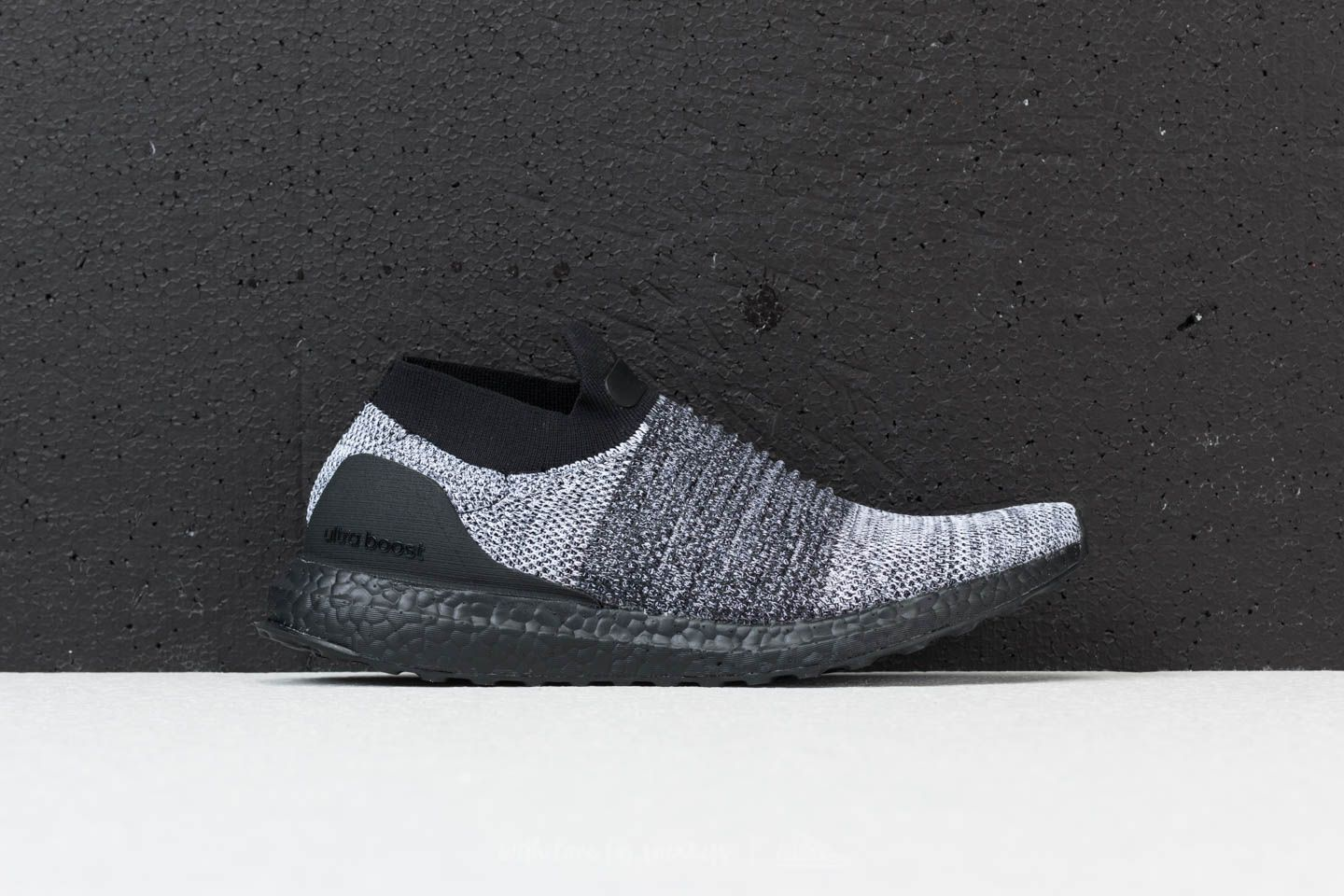 adidas Ultraboost Laceless Core Black  Core Black  Ftw White at a great  price 154 d247c7bac