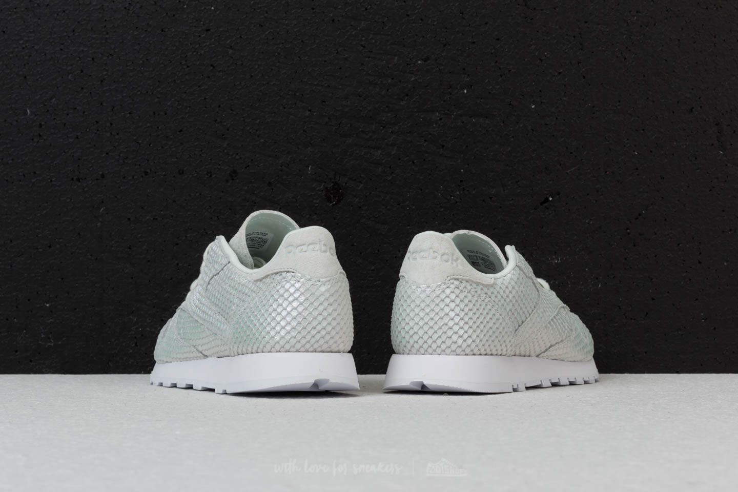 670ec1a8dccd3d Reebok Classic Leather Textural Cloud Grey  White  Iridesct at a great price  £54