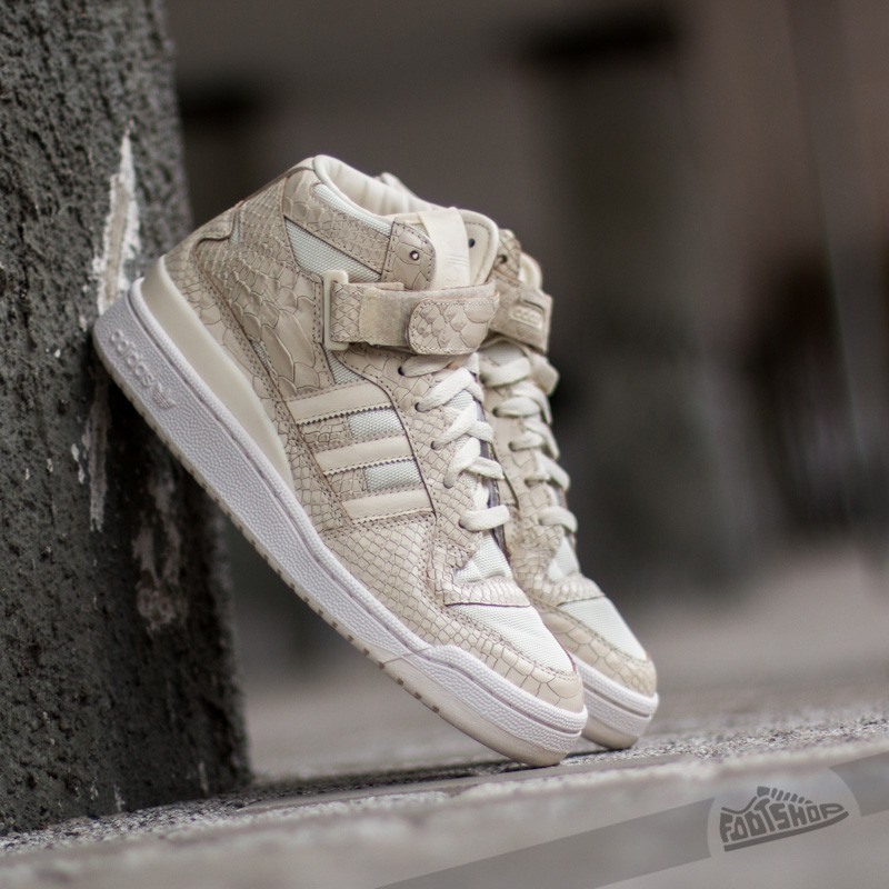 huge selection of b9d57 b6608 Adidas Forum Mid RS Cream White