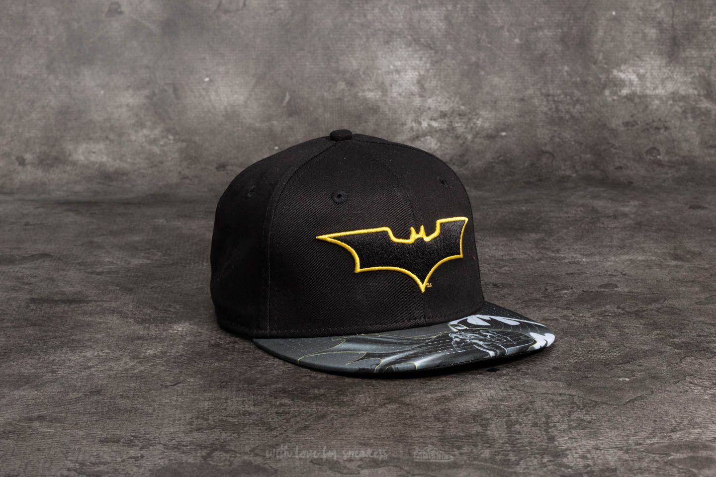 New Era 9Fifty Youth Char Outl Batman Snapback Black  2fca64b64f7