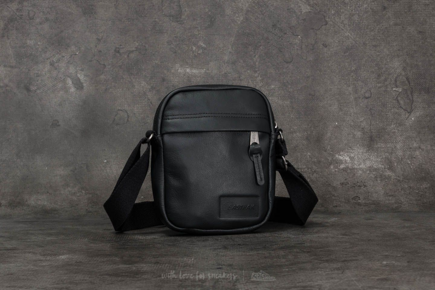 67c6ccfbcbe5 Eastpak The One Black Ink Leather