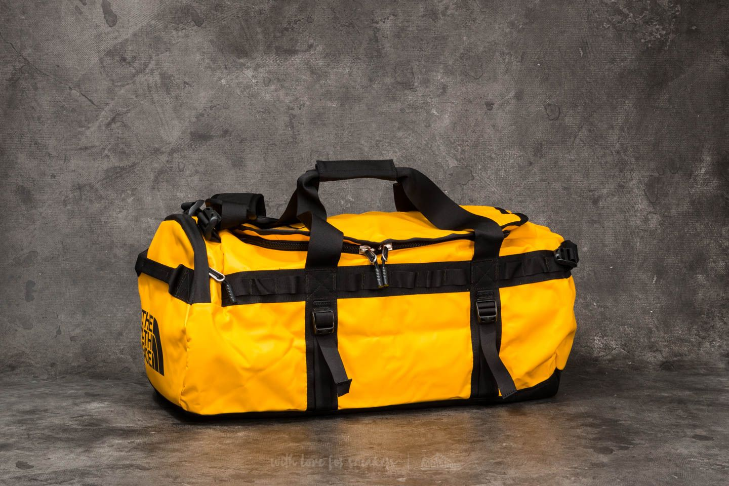 Τσάντες ώμου The North Face Base Camp Medium Duffel Summit Gold/ Tnf Black