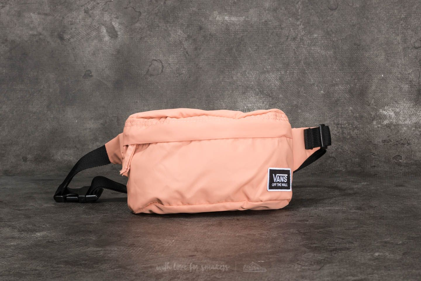 fc9050c8541 Vans Burma Fanny Pack Muted Clay | Footshop