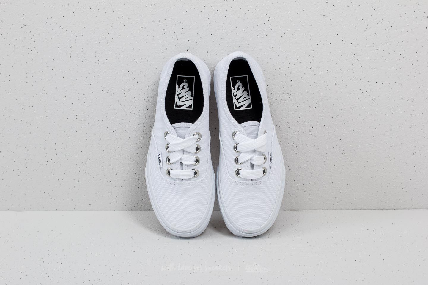 f5b573da473 Vans Authentic (Oversized Lace) True White at a great price £35 buy at