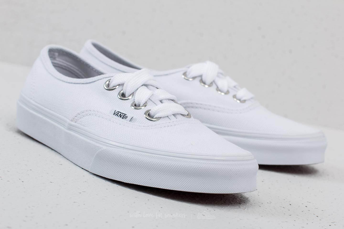 Vans Authentic (Oversized Lace) True White at a great price 40 € buy at dbf971786e