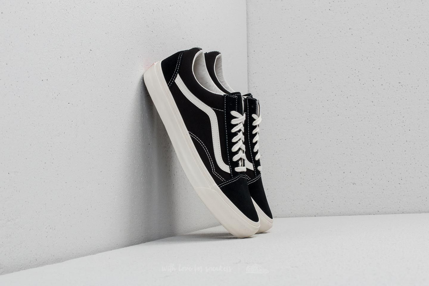 20989a82e6be6f Vans OG Old Skool LX (Suede Canvas) Black  Marshmallow