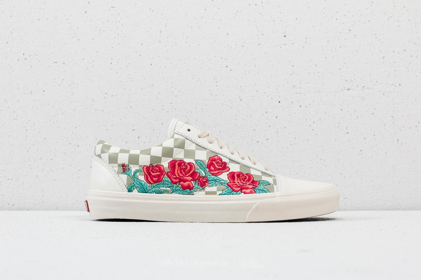 Vans Old Skool DX (Rose Embroidery) Marshmallow at a great price £58 buy ce08e4314