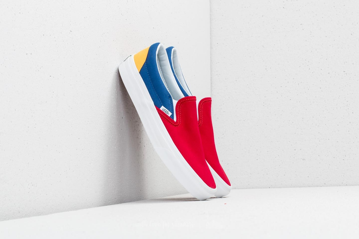 Vans Classic Slip-On (Vans Yacht Club) Red  Blue  Yellow  125f7f255