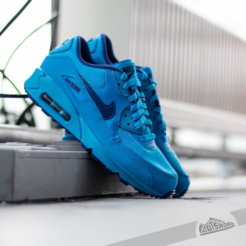uk availability c56b2 6e3f3 Nike Air Max 90 Glow (GS). Photo Blue  Deep Royal Blue