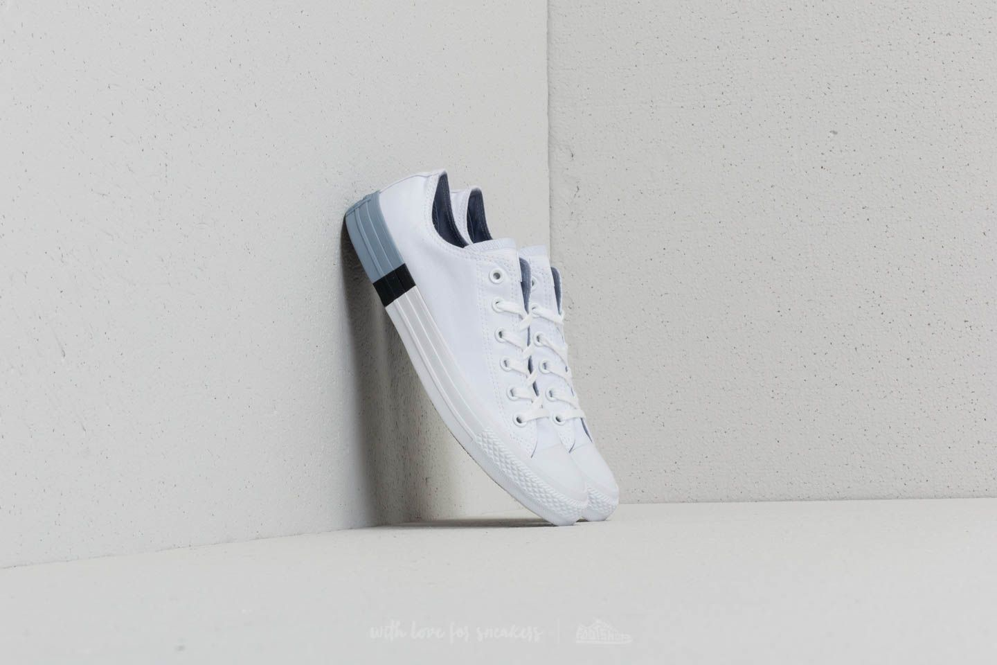 6ad836859cb3 Converse Chuck Taylor All Star OX White  Glacier Grey  White ...