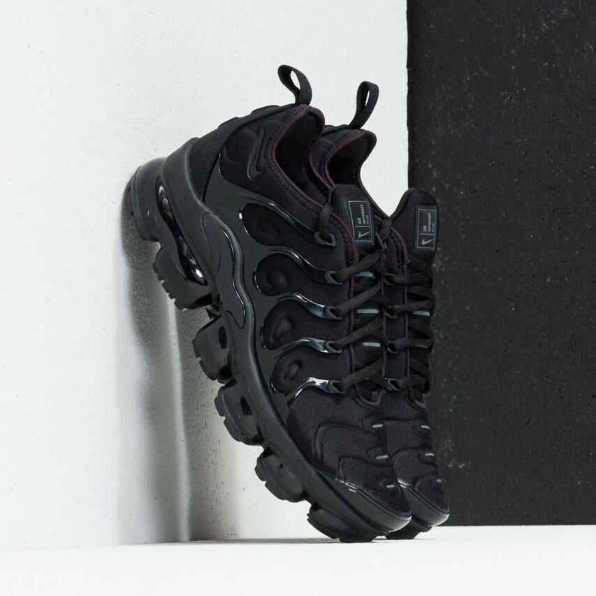 Nike Air Vapormax Plus Black/ Black-Dark Grey EUR 44