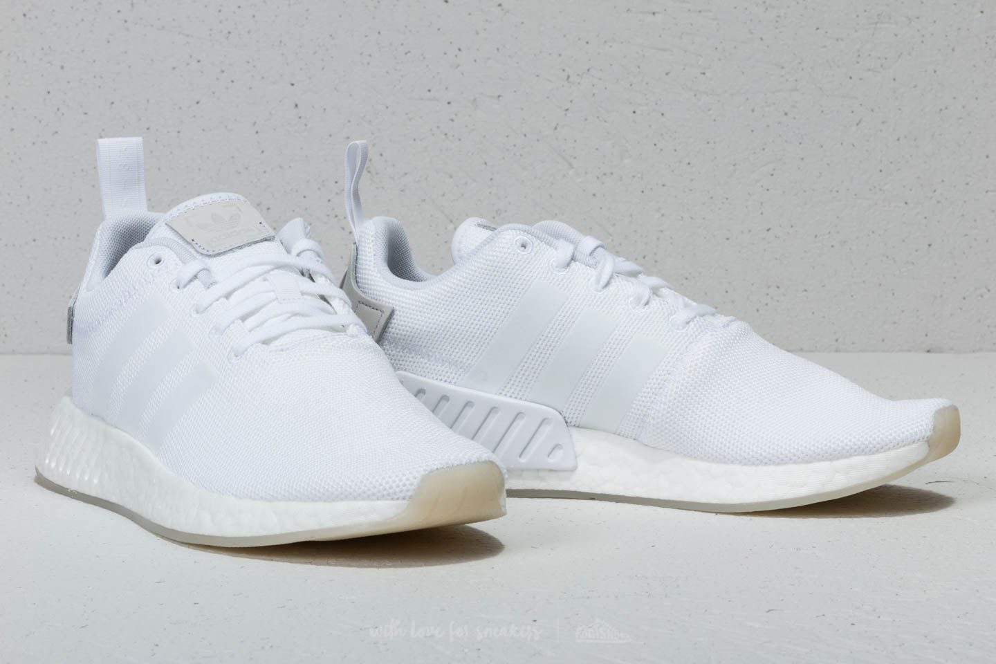 adidas NMD R2 Ftw White  Ftw White  Ftw White at a great price 84 € 54906c356cbc