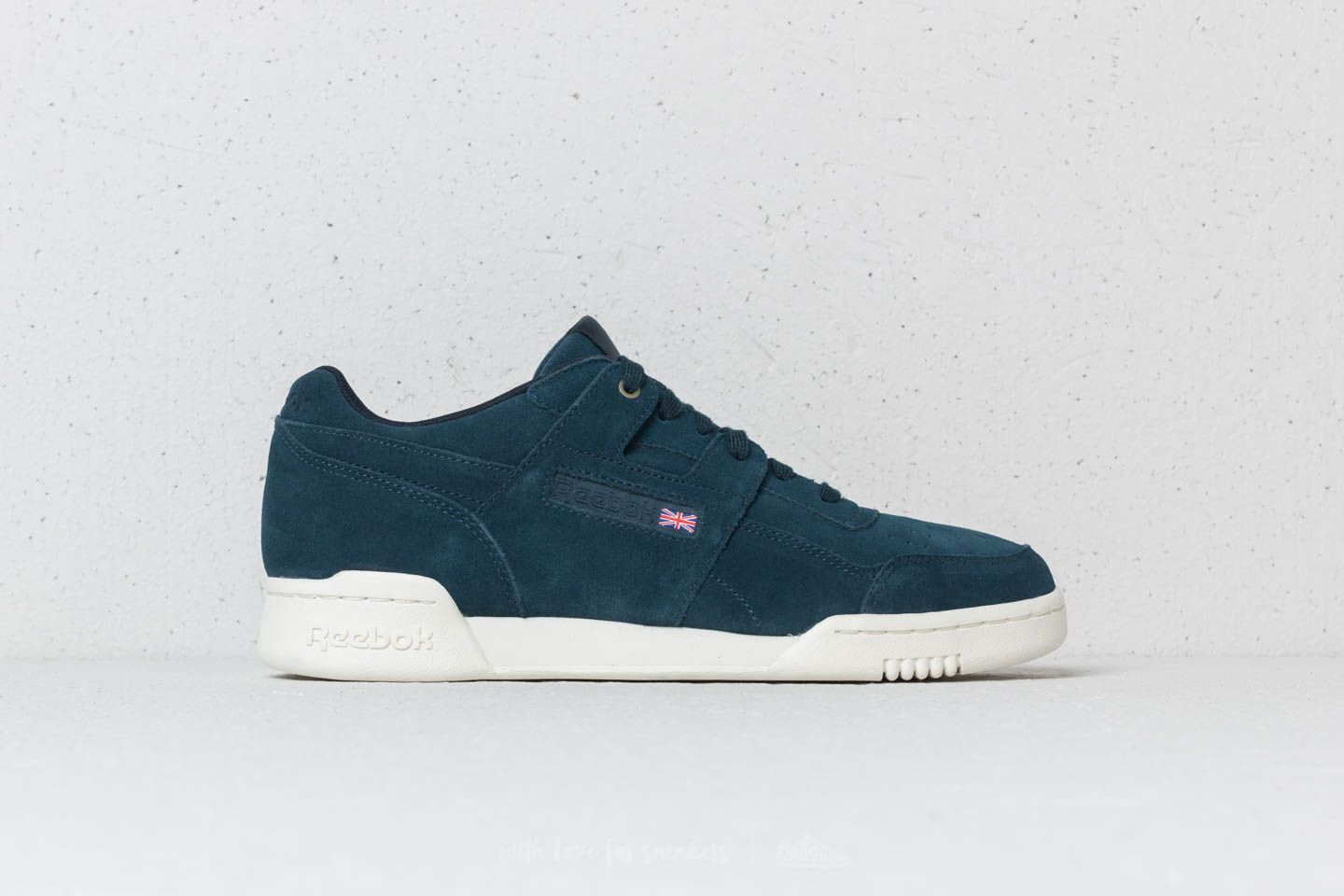 1d59c4af3469c Reebok x Montana Cans Workout Plus Navy  Chalk at a great price 70 € buy