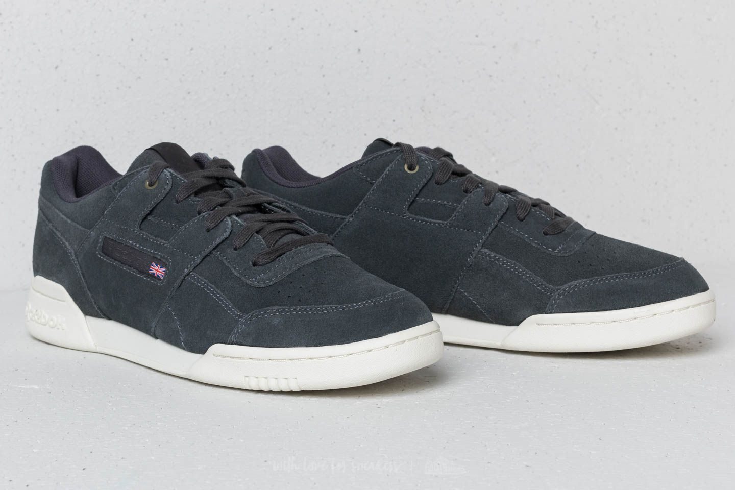 fa9334f2810e5b Reebok x Montana Cans Workout Plus Coal  Chalk at a great price £51 buy