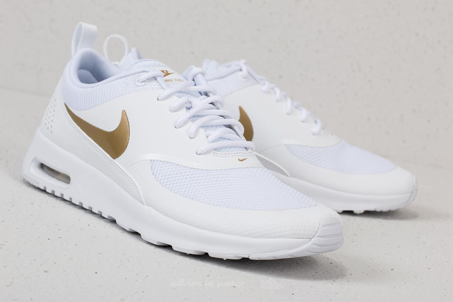 nike air max thea white and gold