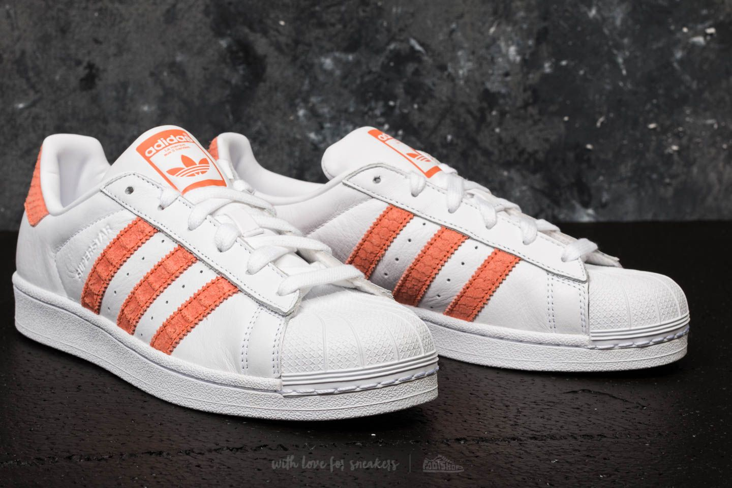 Indígena punto Mejorar  Women's shoes adidas Superstar W Ftw White/ Chalk Coral/ Off White