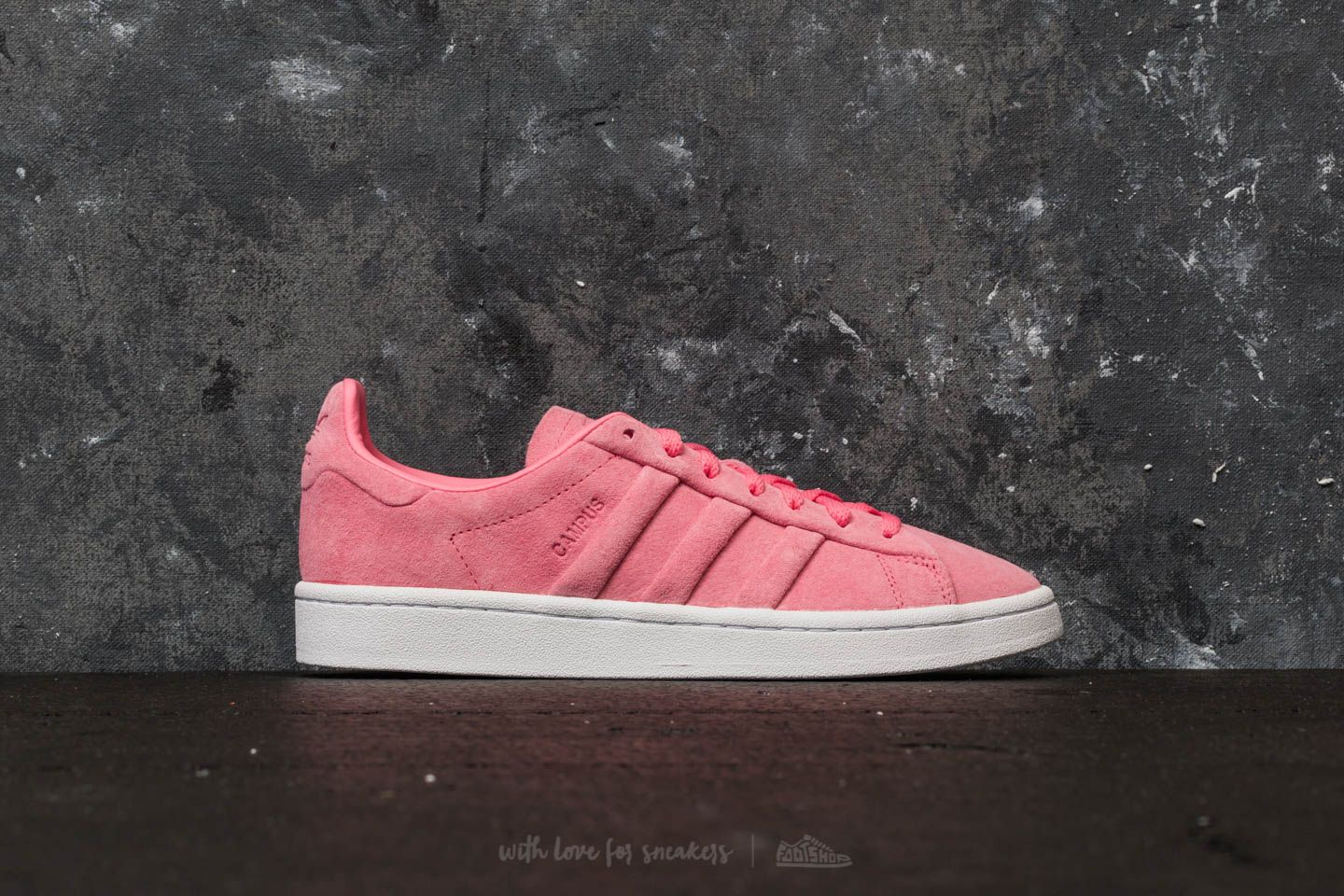 buy online f5f31 9a17d adidas Campus Stitch And Turn W Chalk Pink Chalk Pink Gold Metallic at a