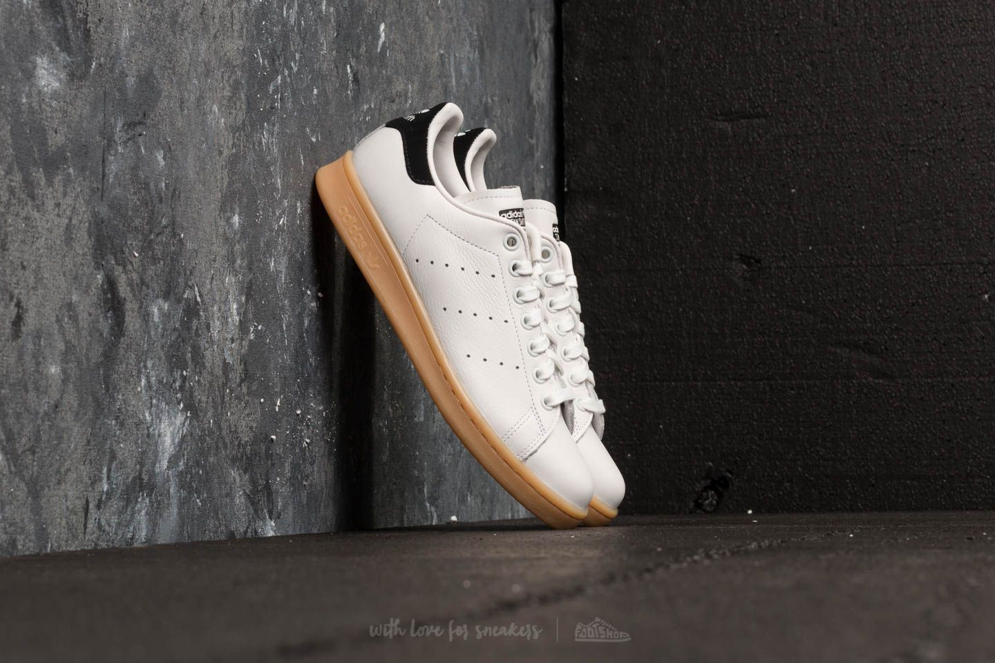 adidas Stan Smith W Crystal White  Crystal White  Core Black  d5743e49f