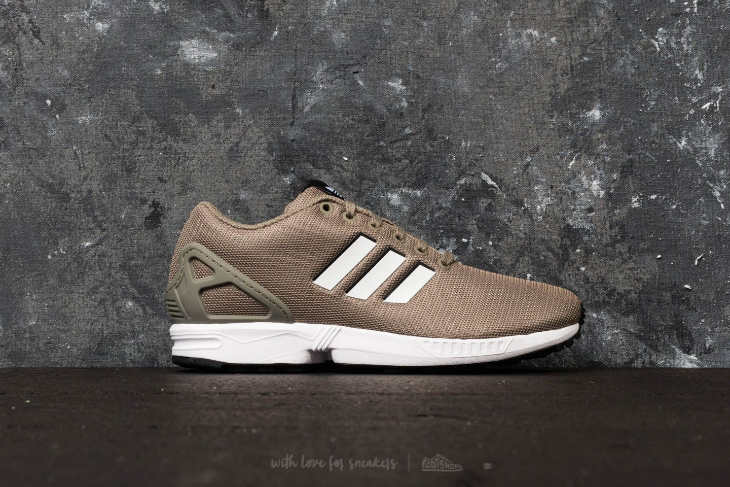 c0d932cced369 adidas ZX Flux Trace Cargo  Ftw White  Core Black at a great price £