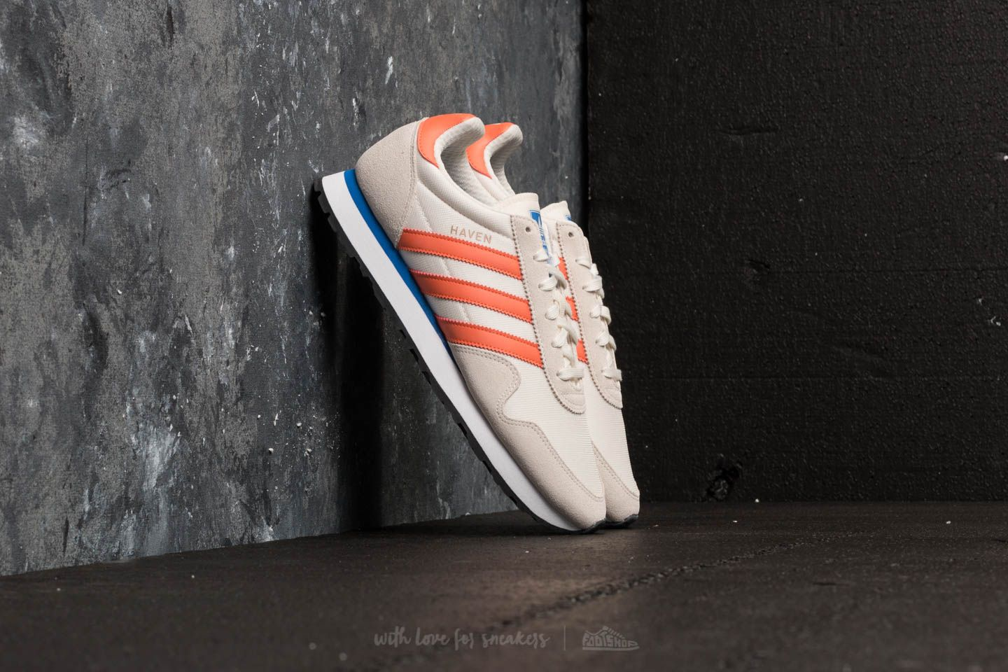 adidas Haven Chalk White  Trace Orange  Off White at a great price 48 € 1bd2bf02aad03