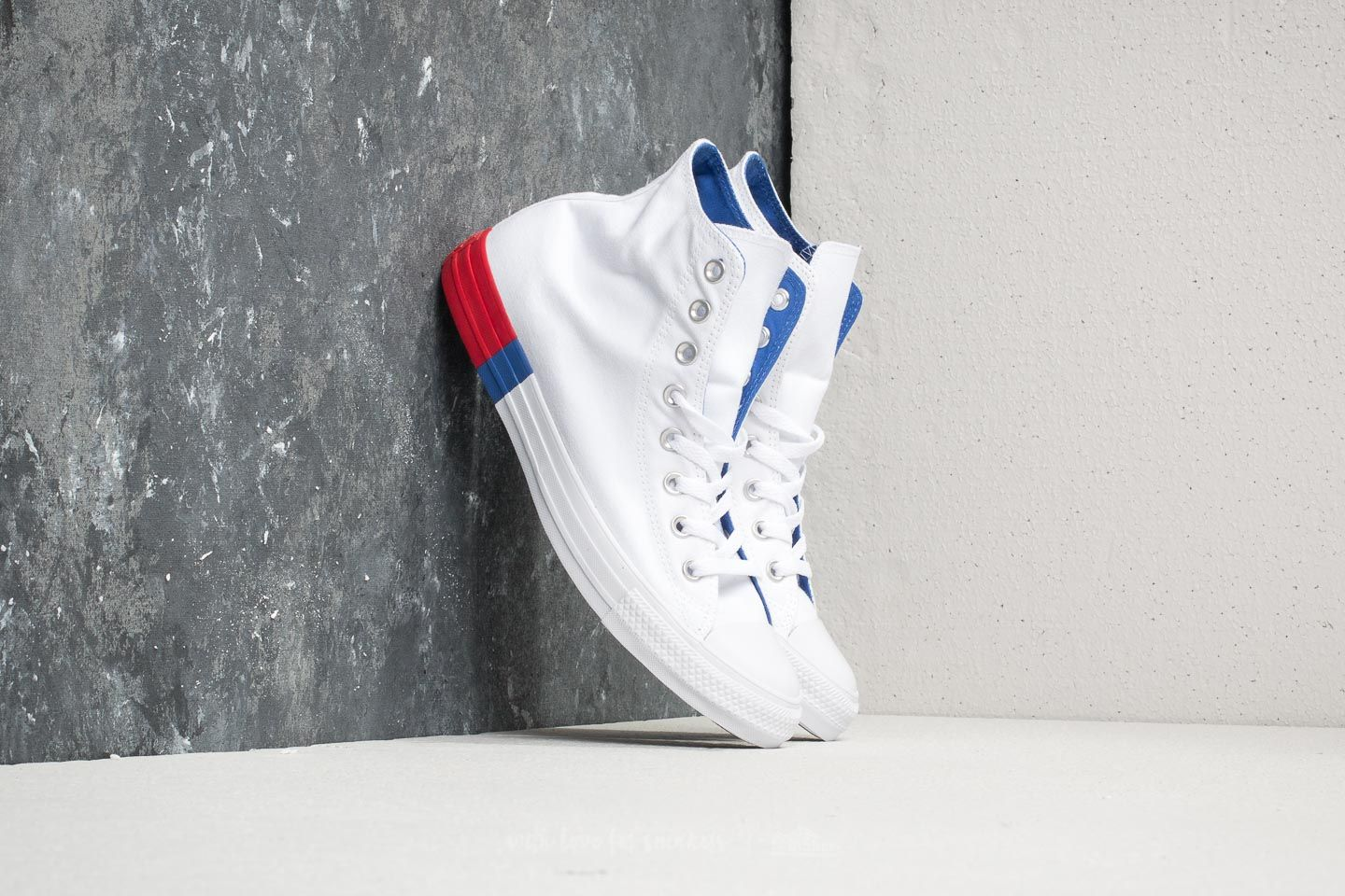 d6b163a1775f Converse Chuck Taylor All Star Hi White  Red  Blue