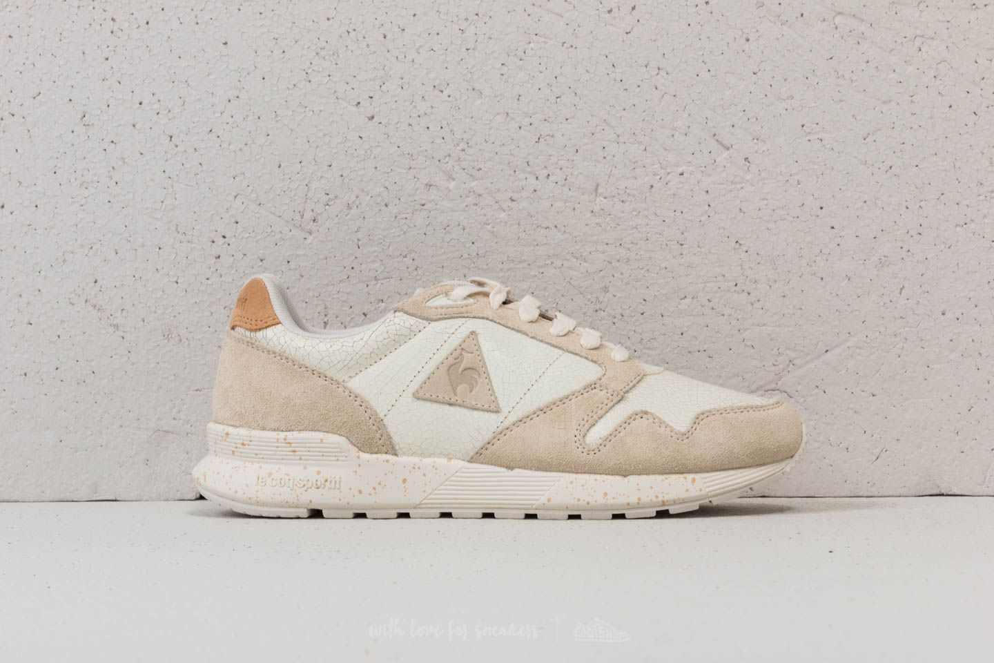 b21a3a9e67ab le coq sportif Omega X Lea Suede Marshmallow at a great price 55 € buy at