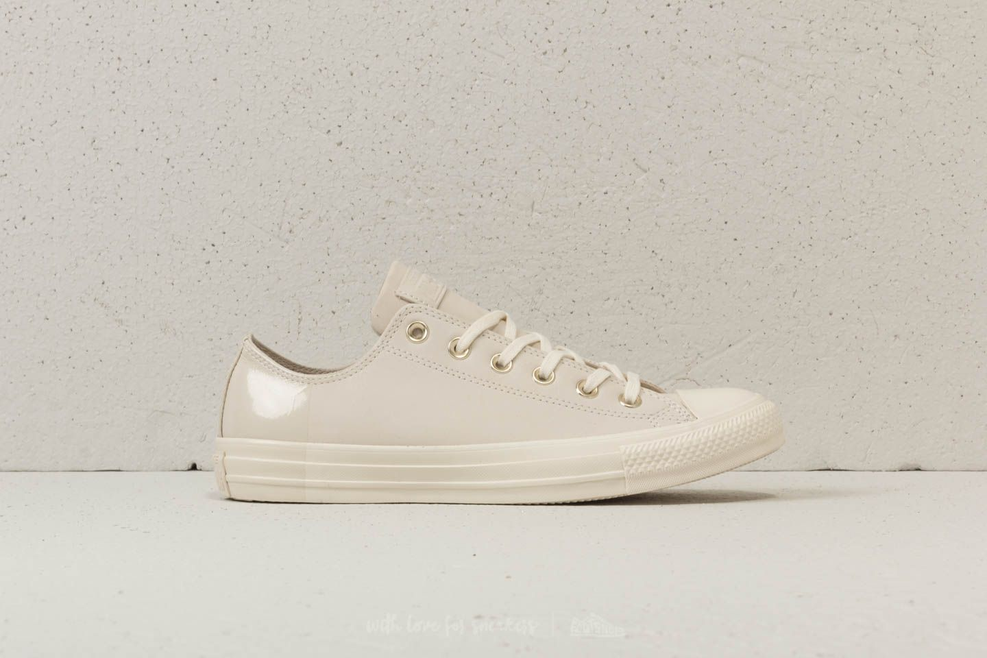 Converse Chuck Taylor All Star OX Egret  Egret  Driftwood at a great price   65 c16a6493e637a