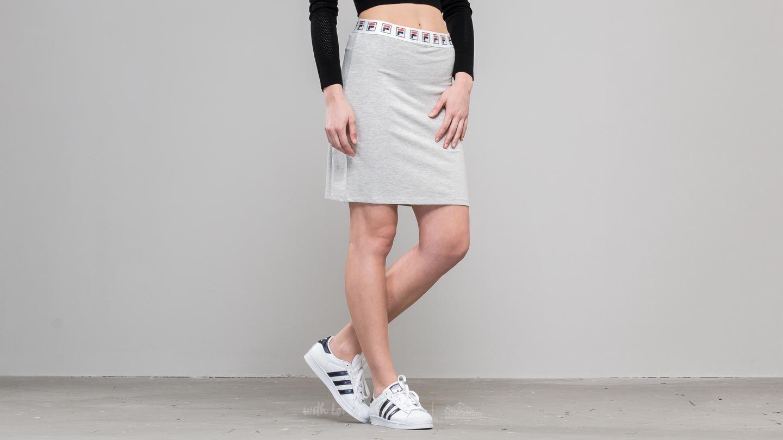 1cb0ab3a004 FILA Courtney Skirt Light Grey Melange Bros au meilleur prix 17 € Achetez  sur Footshop