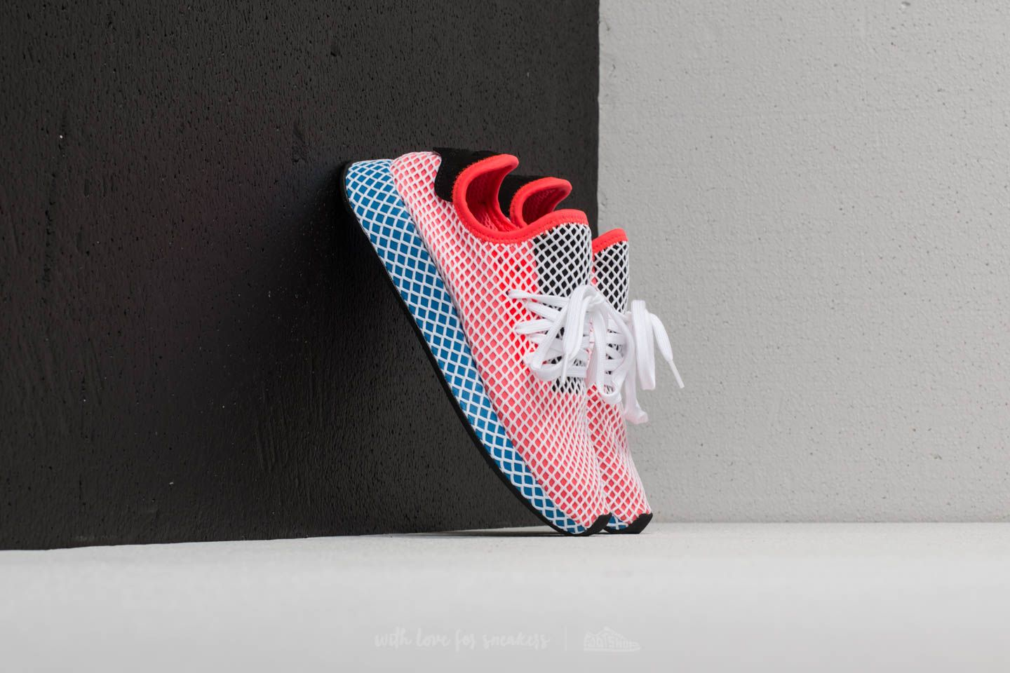 4c429ab40cb86 adidas Deerupt Runner Solid Red  Solid Red  Bluebird
