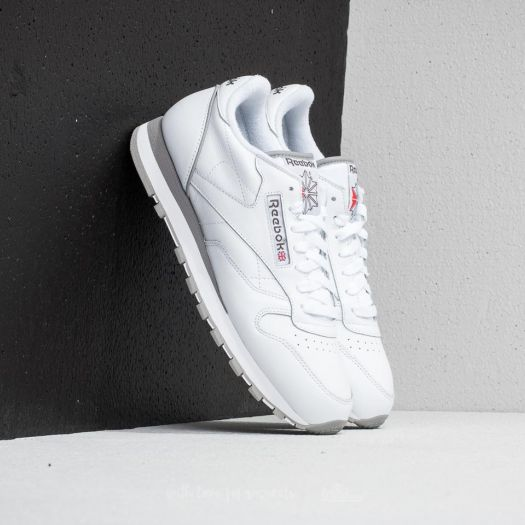 the latest 9e265 904aa Reebok Classic Leather Archive White  Carbon  Red  Grey