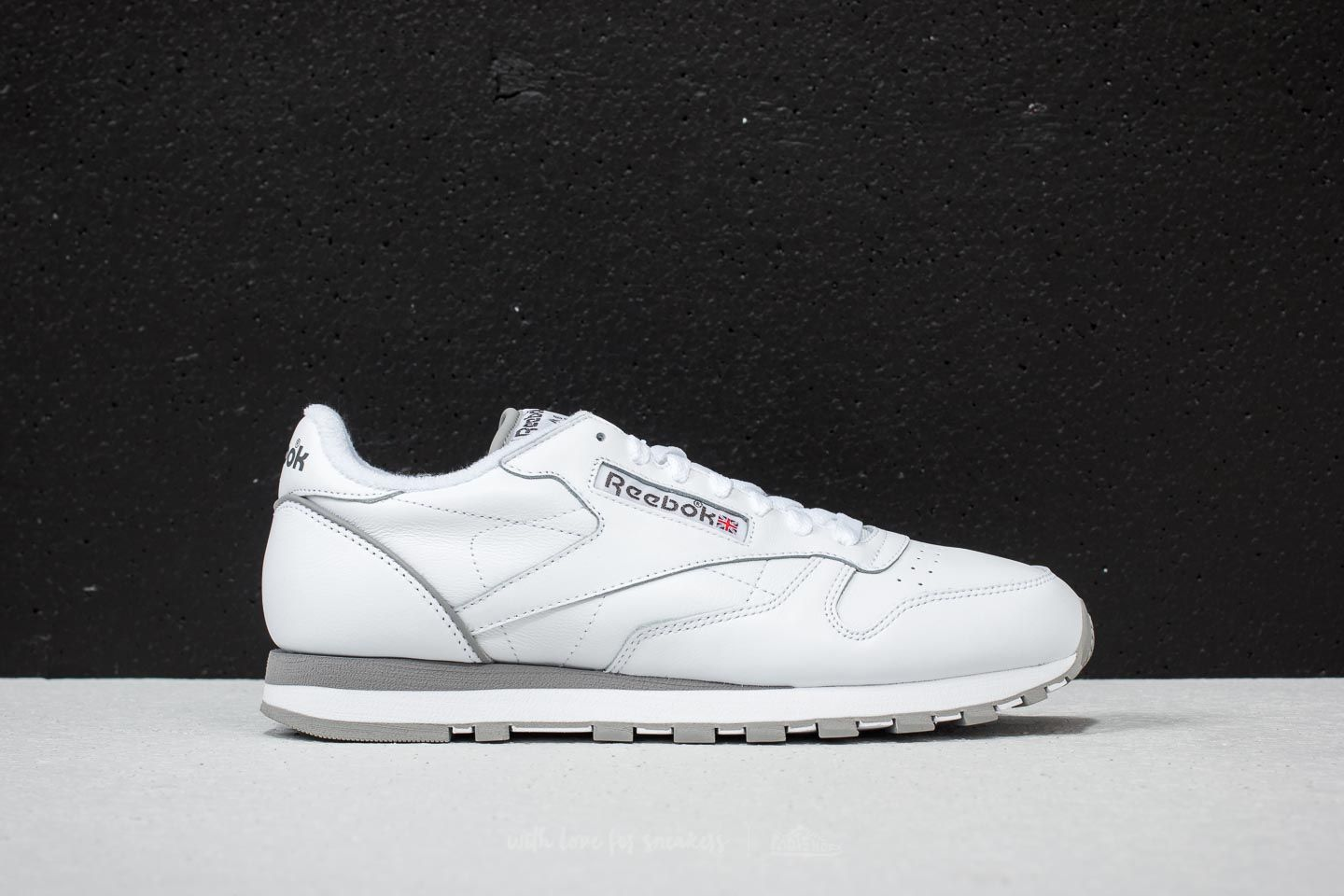 cde4d0dd90bc41 Reebok Classic Leather Archive White  Carbon  Red  Grey at a great price 83