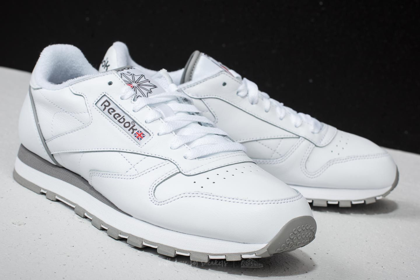 Archive Carbon White Red Grey Reebok Leather Footshop Classic UF1pTp