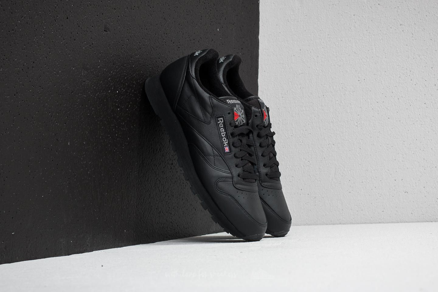 Reebok Classic Leather Archive Black Carbon Red | Footshop