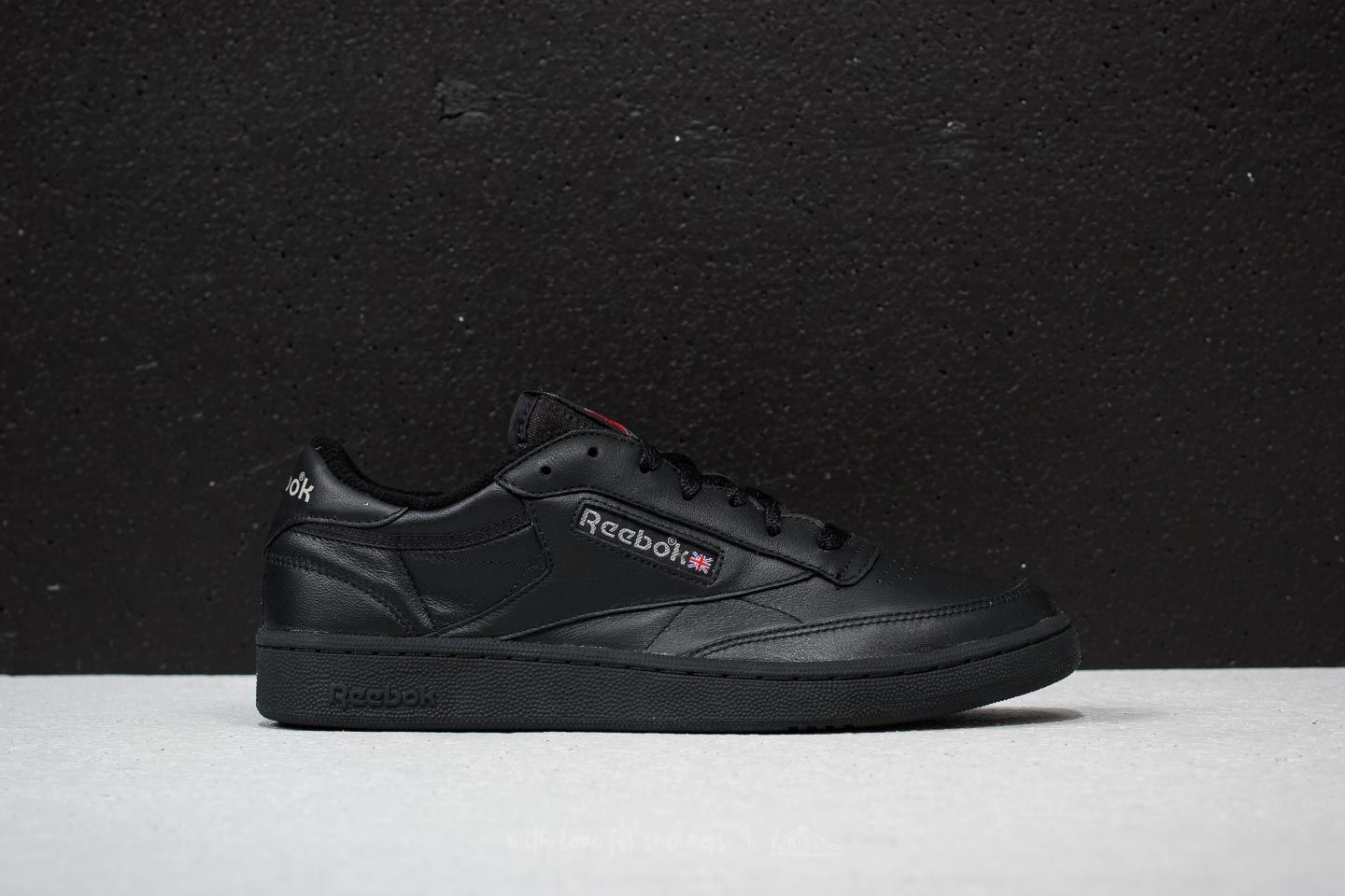 673646ecdac Reebok Club C 85 Archive Black  Carbon  Excellent Red au meilleur prix 84 €
