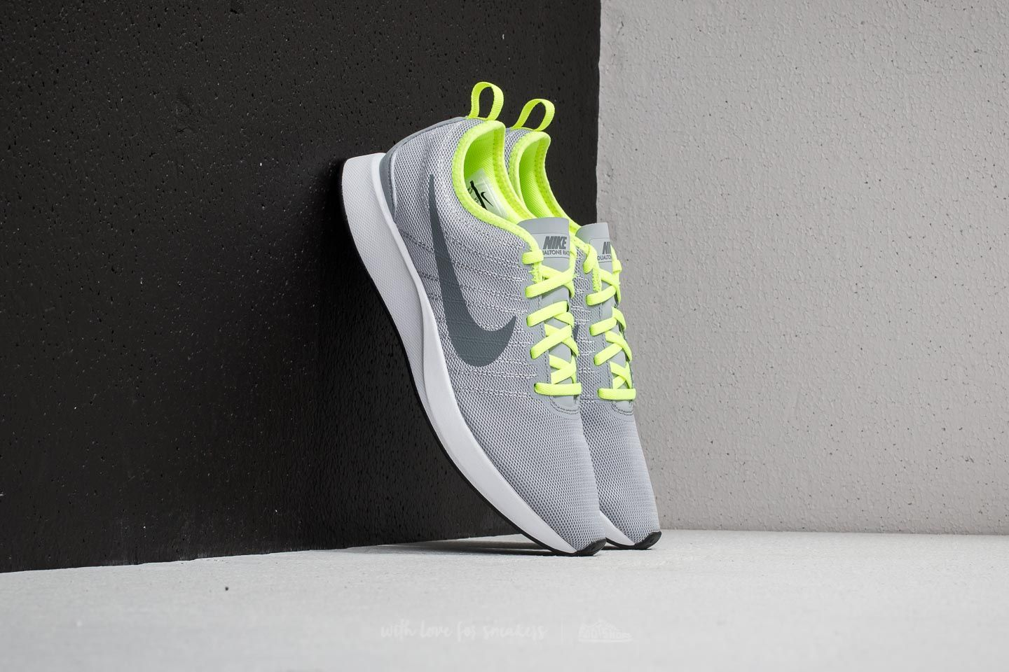 3b2150606d506 Nike Dualtone Racer Wolf Grey  Cool Grey-White at a great price 88 €