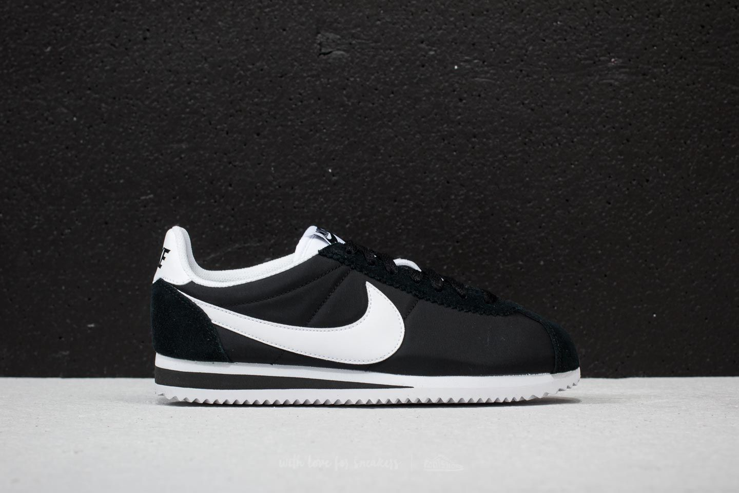 reputable site 9a7b4 301df Nike Wmns Classic Cortez Nylon Black White at a great price £70 buy at