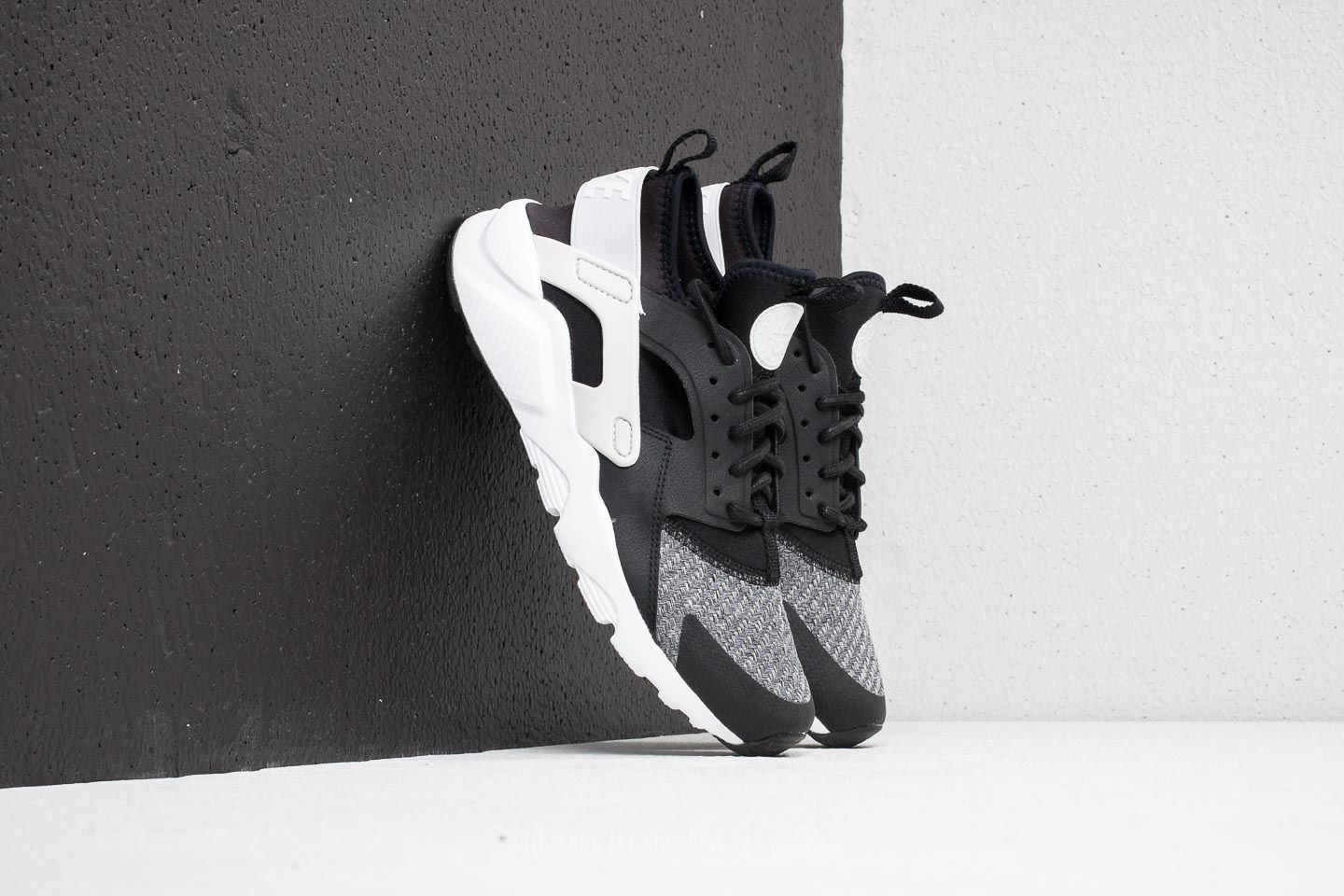 Nike Air Huarache Run Ultra SE (GS) Black  Vast Grey-White  f7240c427