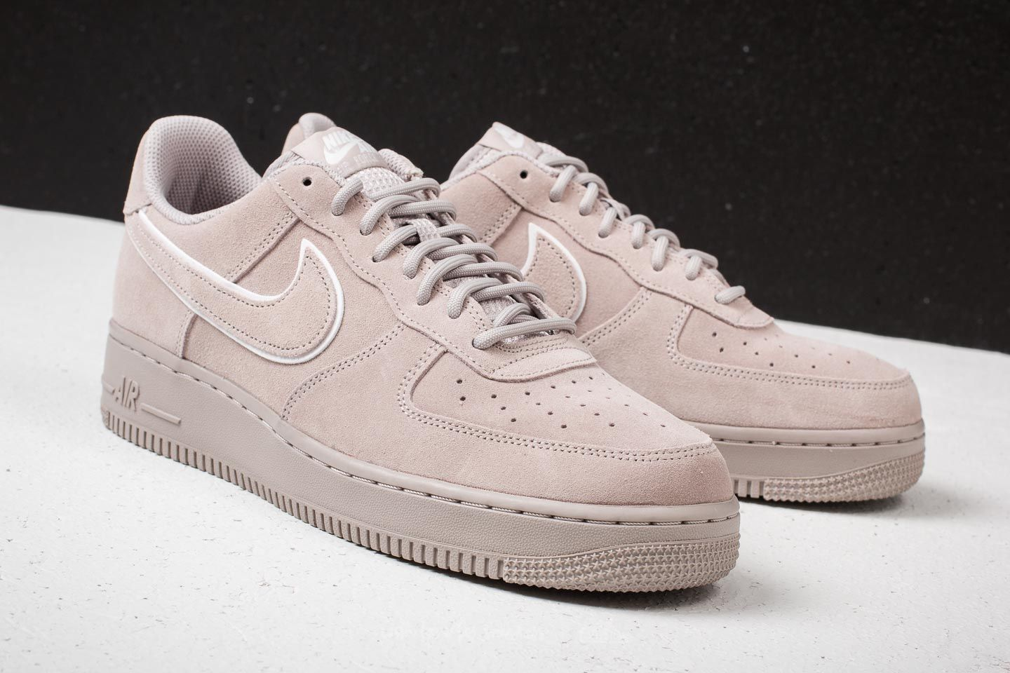 New Year Deals Nike Air Force One 07 LV8 Suede Moon Particle