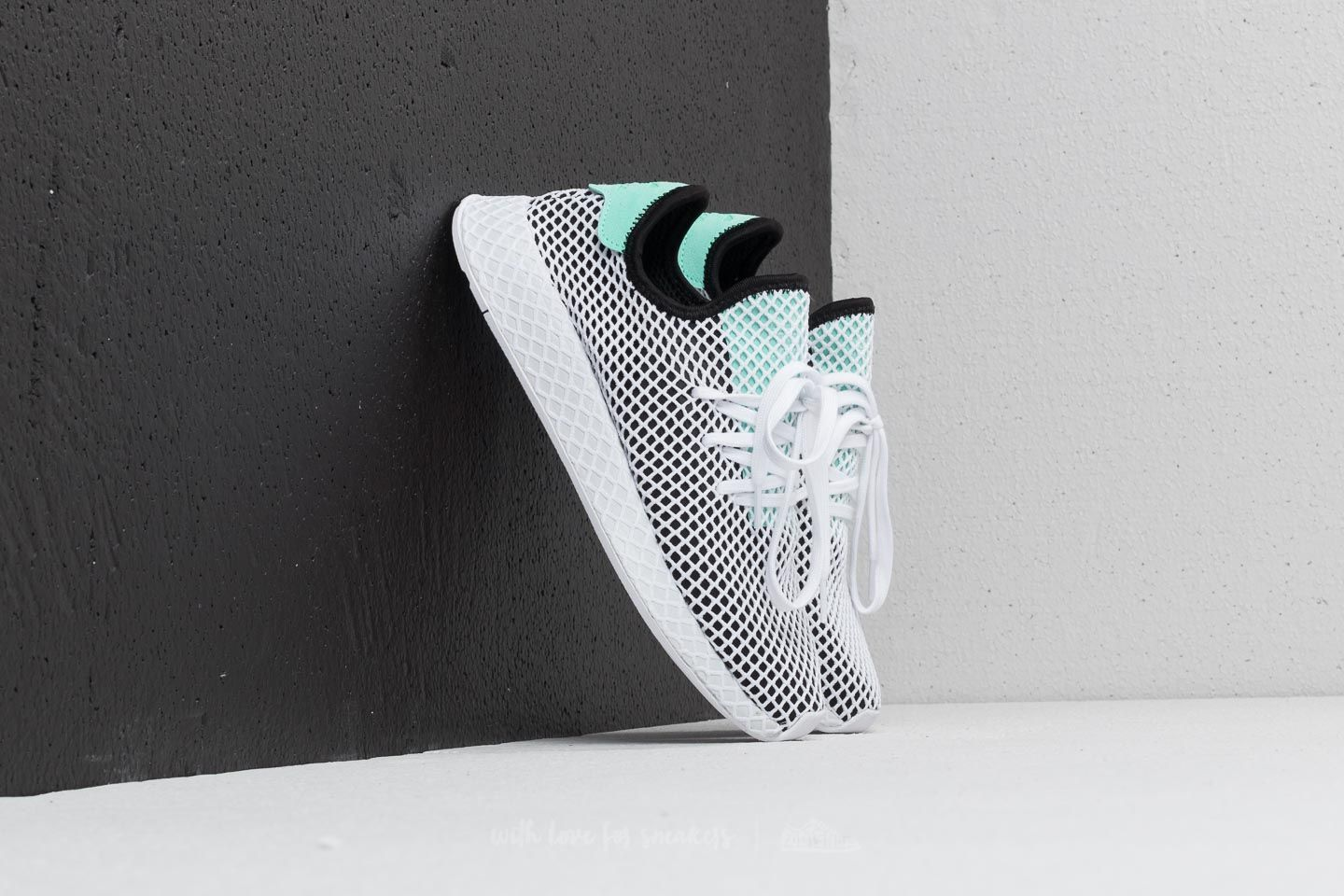 802f3ad2243dc8 adidas Deerupt Runner Core Black  Easy Green  Ftw White