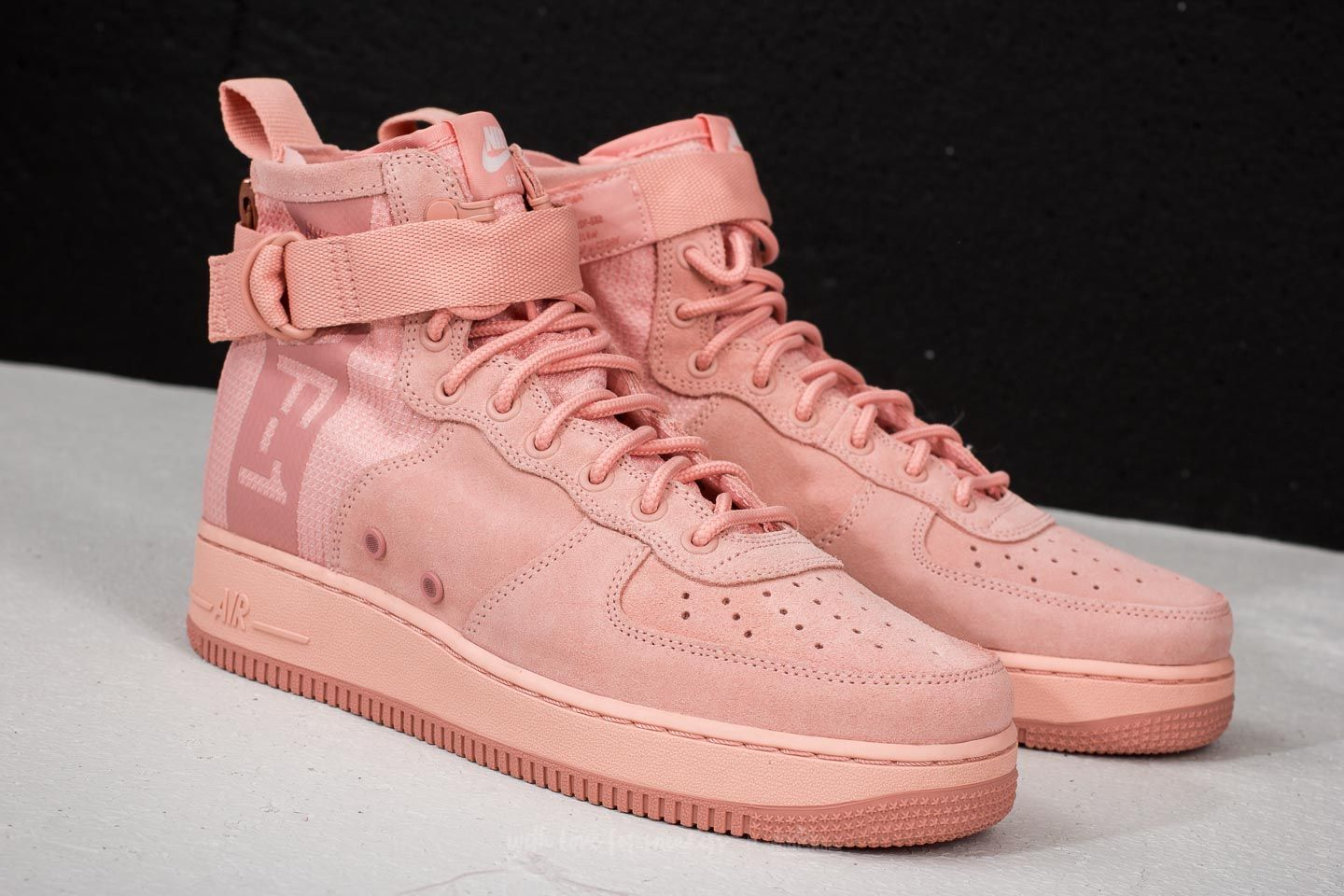Nike SF Air Force 1 Mid Suede Coral Stardust/ Red Stardust | Footshop