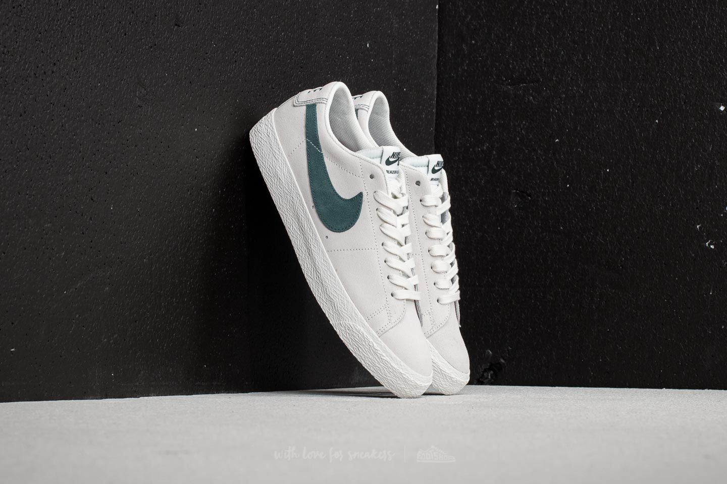 newest collection 3f015 626f7 Nike SB Zoom Blazer Low. Summit White  Deep Jungle