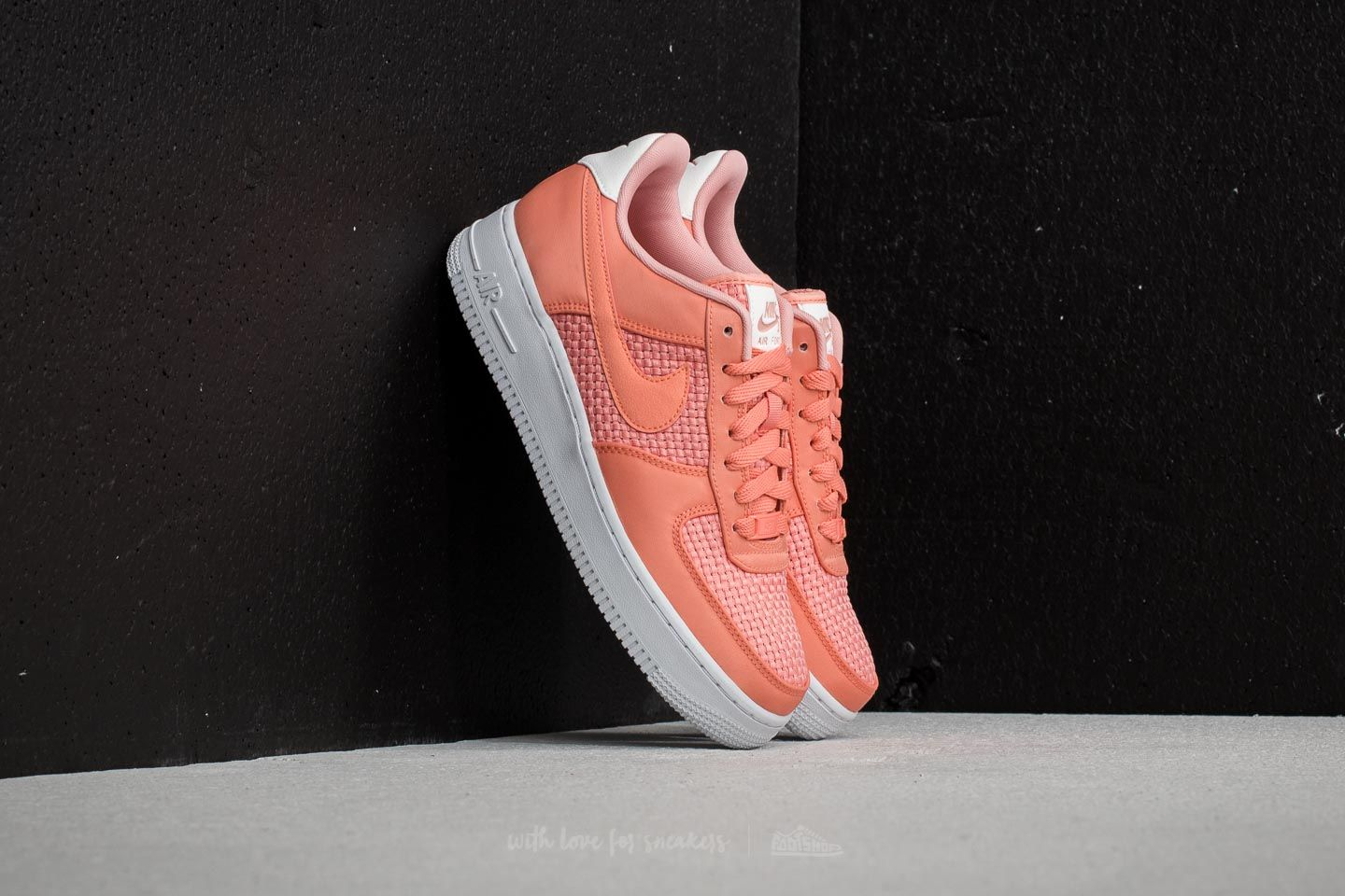 online store d4928 d62d6 Nike Wmns Air Force 1  07 SE