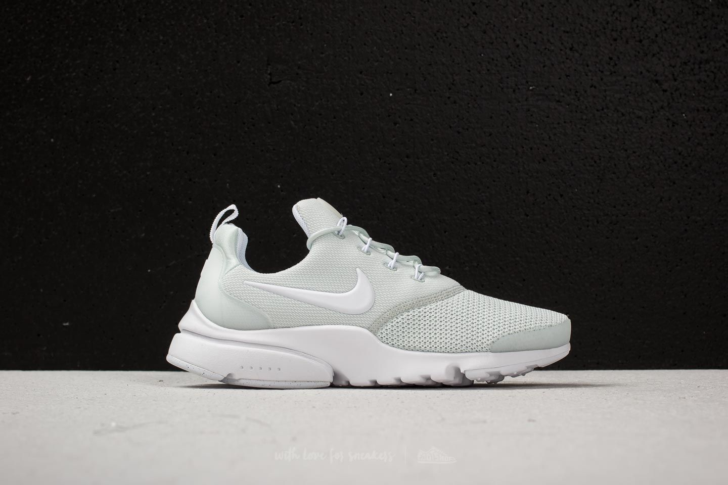 c5bca9d8b8b0 Nike Wmns Presto Fly Barely Grey  White at a great price 99 € buy at