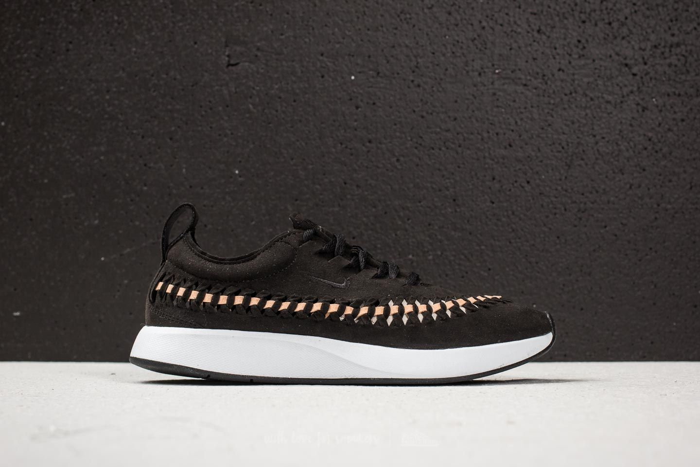 511a922024e0 Nike W Dualtone Racer Woven Black  Black-Vachetta Tan-White at a great
