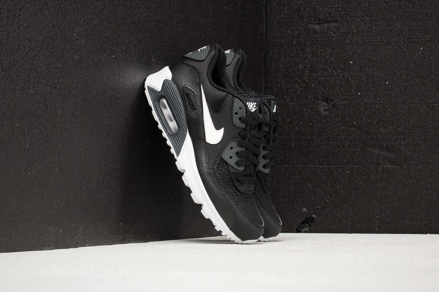 Nike Wmns Air Max 90 SE Black/ White-Anthracite