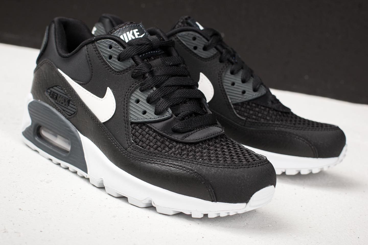 quality design 3ee47 f7155 ... sweden nike wmns air max 90 se black white anthracite at a great price  77cff 0c334