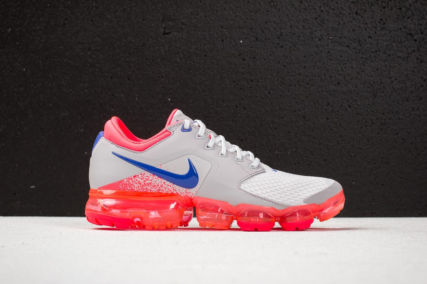 0d1942492b45c Nike Air Vapormax WMNS Vast Grey  Ultramarine at a great price 191 € buy at