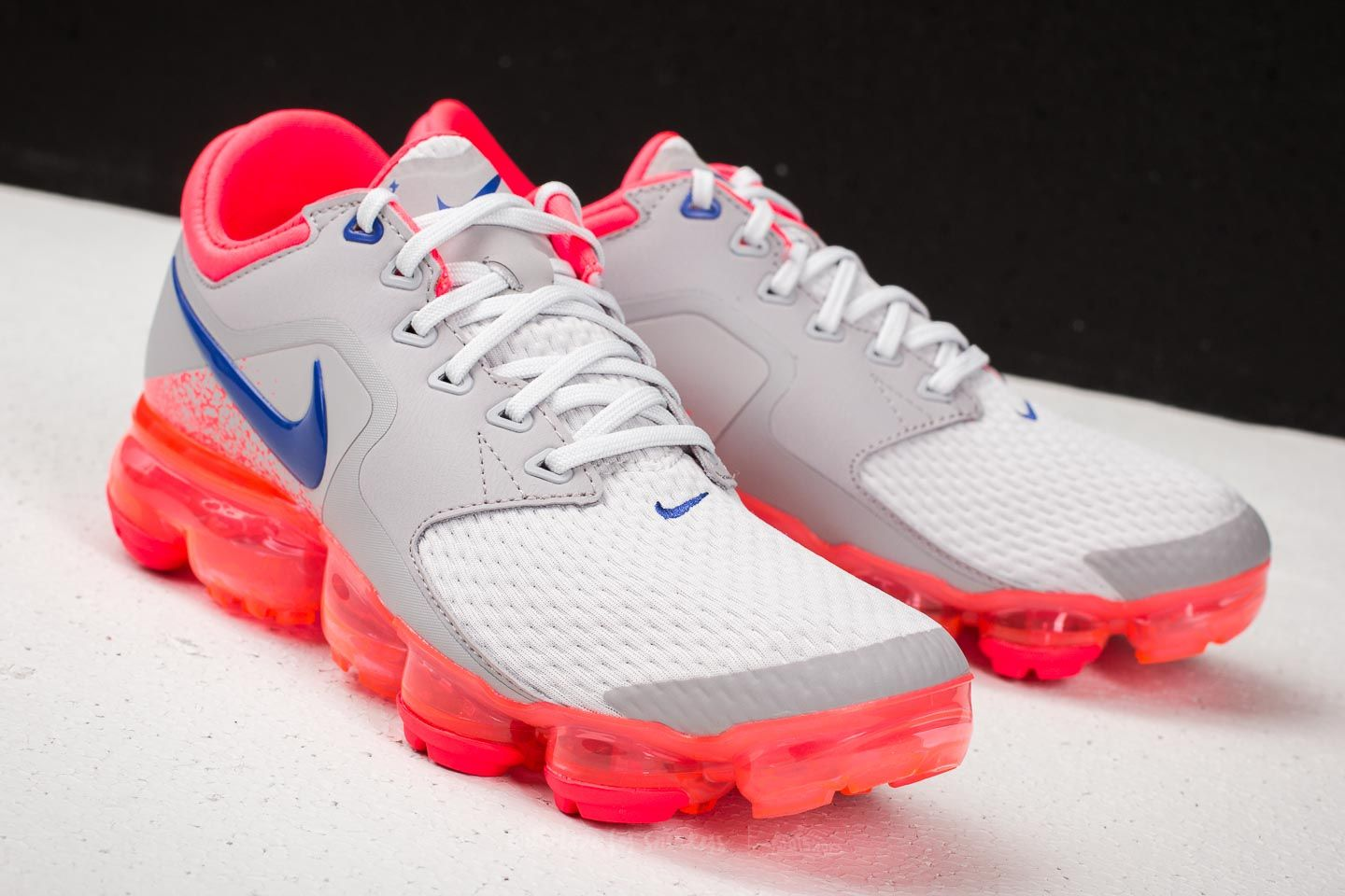 de2fbf1b8a08 Nike Air Vapormax WMNS Vast Grey  Ultramarine at a great price 135 € buy at