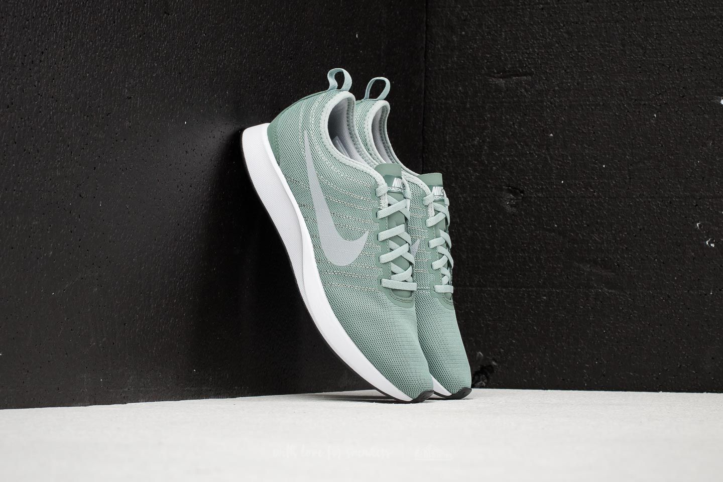 Nike Dualtone Racer Clay Green/ Light Pumice-White