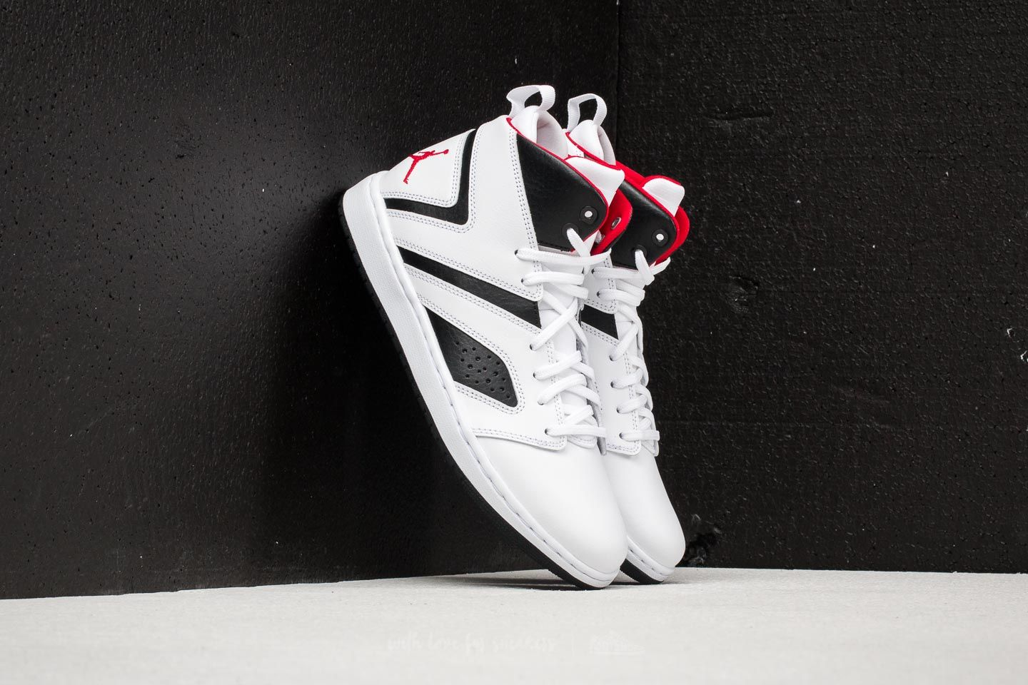 Jordan Flight Legend White / Gym Red/ Black